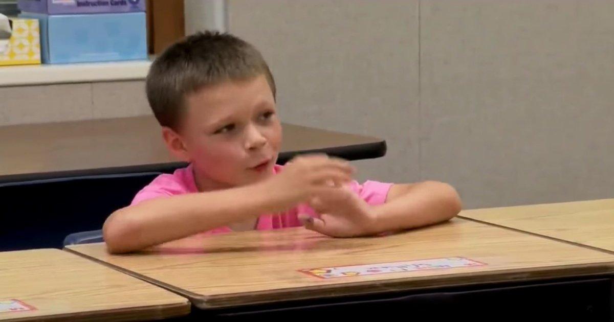 william gierke 1 - Les camarades de ce garçon se moquent de lui parce qu'il portait un tee-shirt rose… voici ce que fait son professeur !