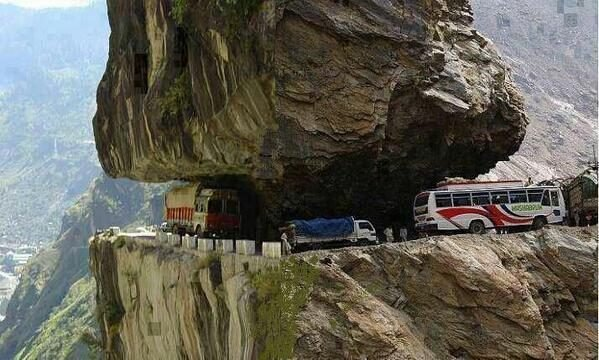 zoji la pass india - Envie de voyage ? Embarquez sur une des 5 routes les plus dangereuses au monde !