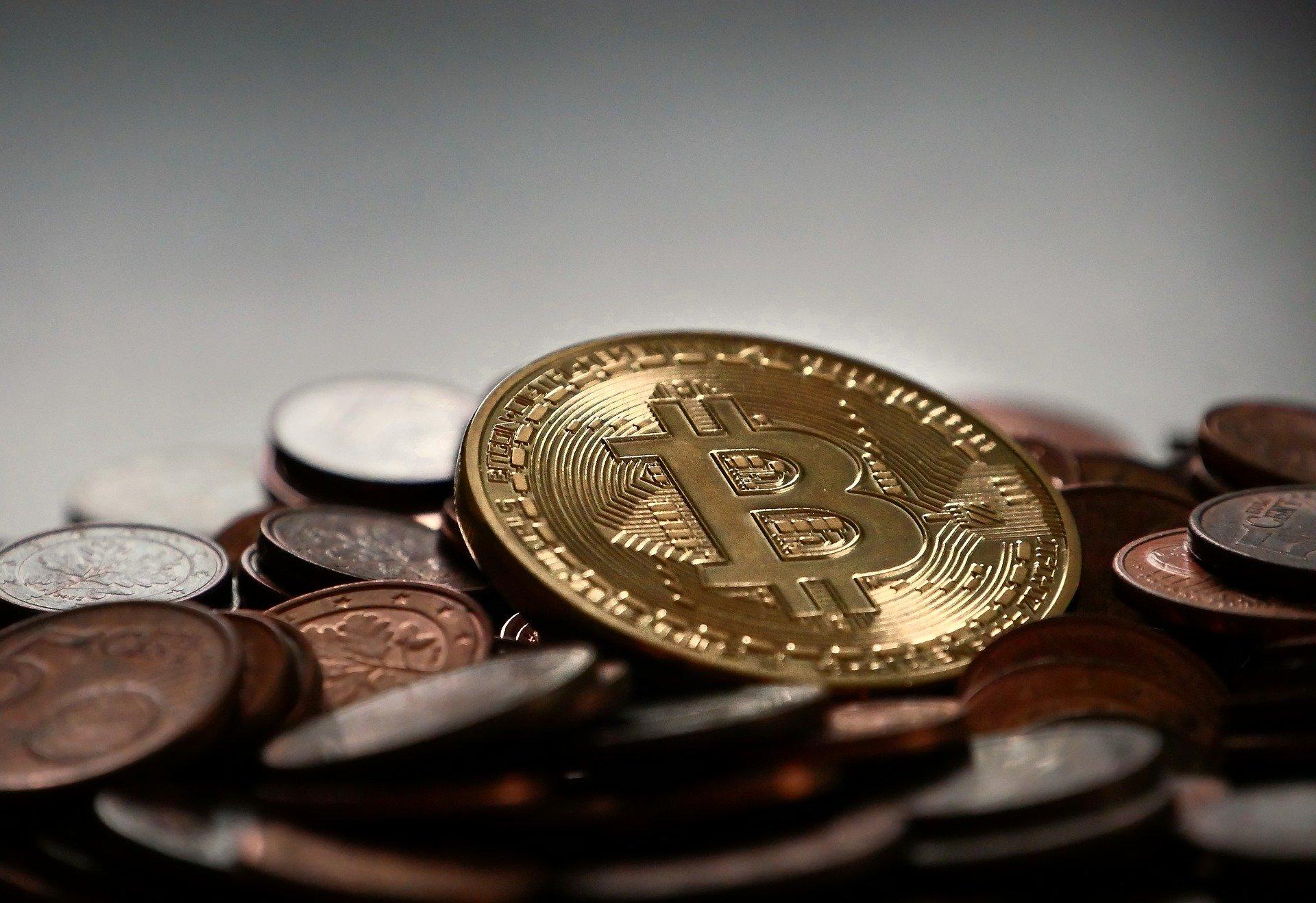 bitcoin 2007912 1920.jpg?resize=412,232 - 誰でも分かる仮想通貨の仕組み Part1
