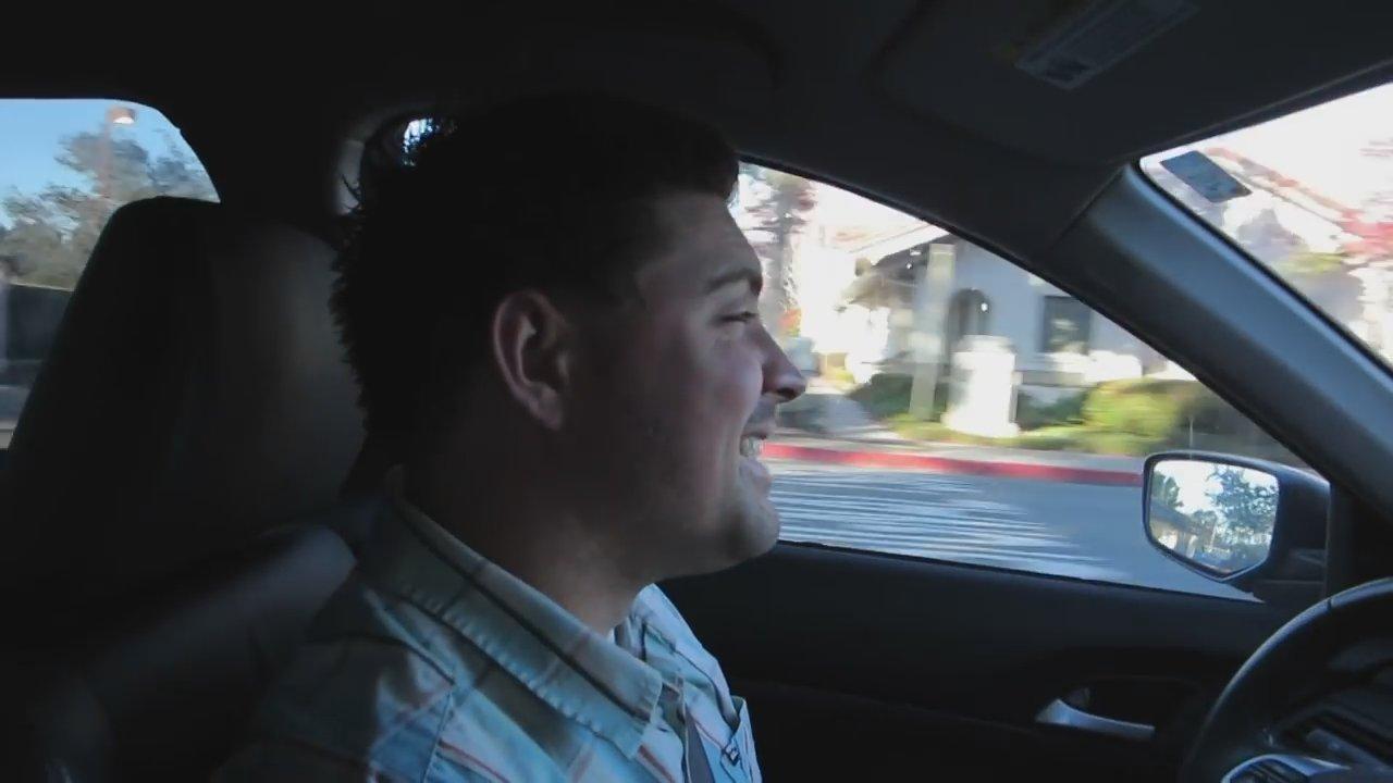 Vous ne pouvez pas vous empêcher de voir l'excitation sur le visage de Weston sur le chemin de l'hôpital! Auront-ils un autre petit garçon ou une autre fille?!