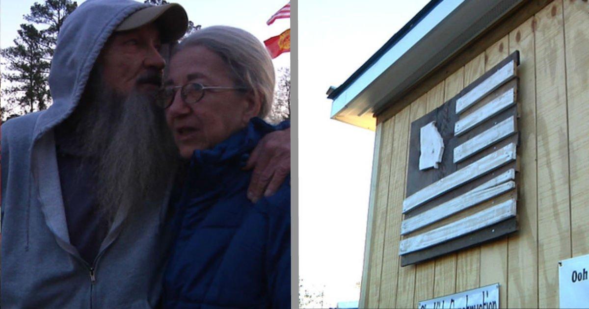 faced 1.jpg?resize=648,365 - Un couple agé vit dans une vieille caravane, ces collégiens leur font une surprise qui changera leur vie