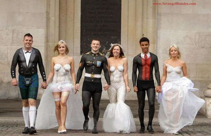 18weirdweddingdress - 18 Wedding Dresses That Are Just Downright Bizarre