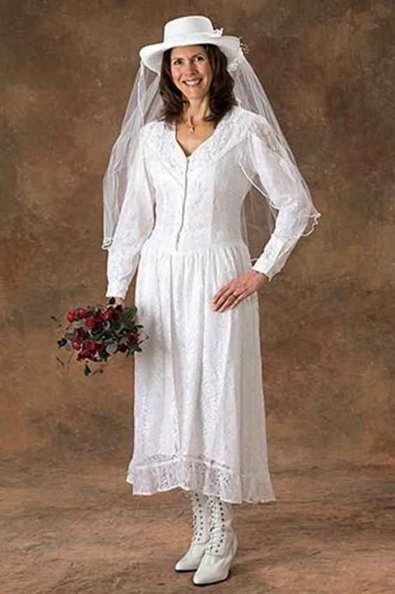 3weirdweddingdress - 18 Wedding Dresses That Are Just Downright Bizarre