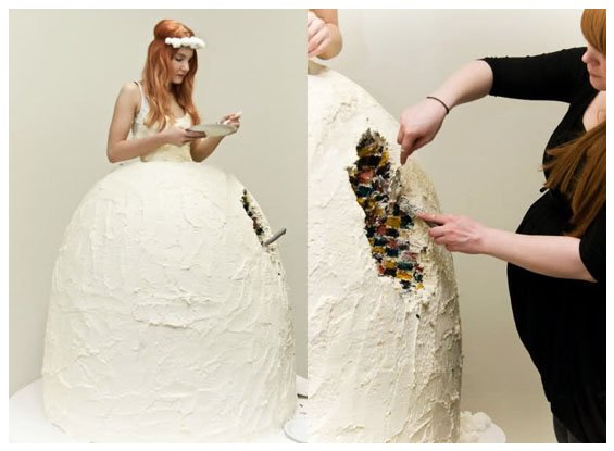 5weirdweddingdress - 18 Wedding Dresses That Are Just Downright Bizarre
