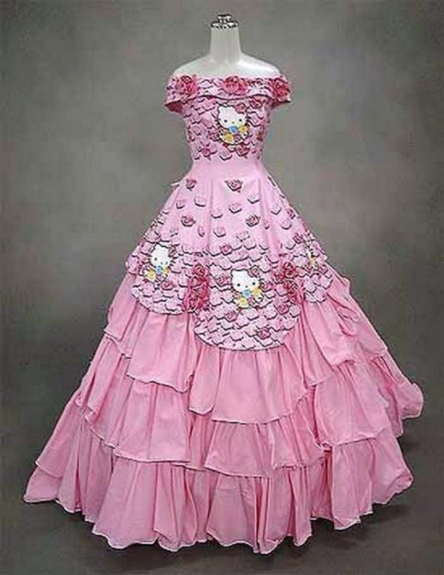 6weirdweddingdress - 18 Wedding Dresses That Are Just Downright Bizarre