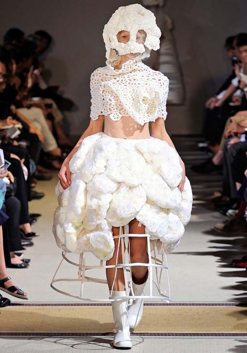 9weirdweddingdress - 18 Wedding Dresses That Are Just Downright Bizarre