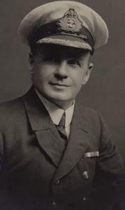 titanic second officer charles lightoller - 실제 타이타닉호 부선장이 공개한 '침몰 뒤 숨겨진 이야기'