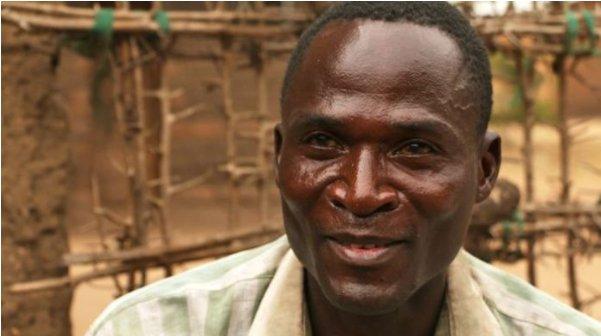 마을 여성들과 성관계를 갖고 있는 에이즈 감염자 '에릭 아니바'/BBC