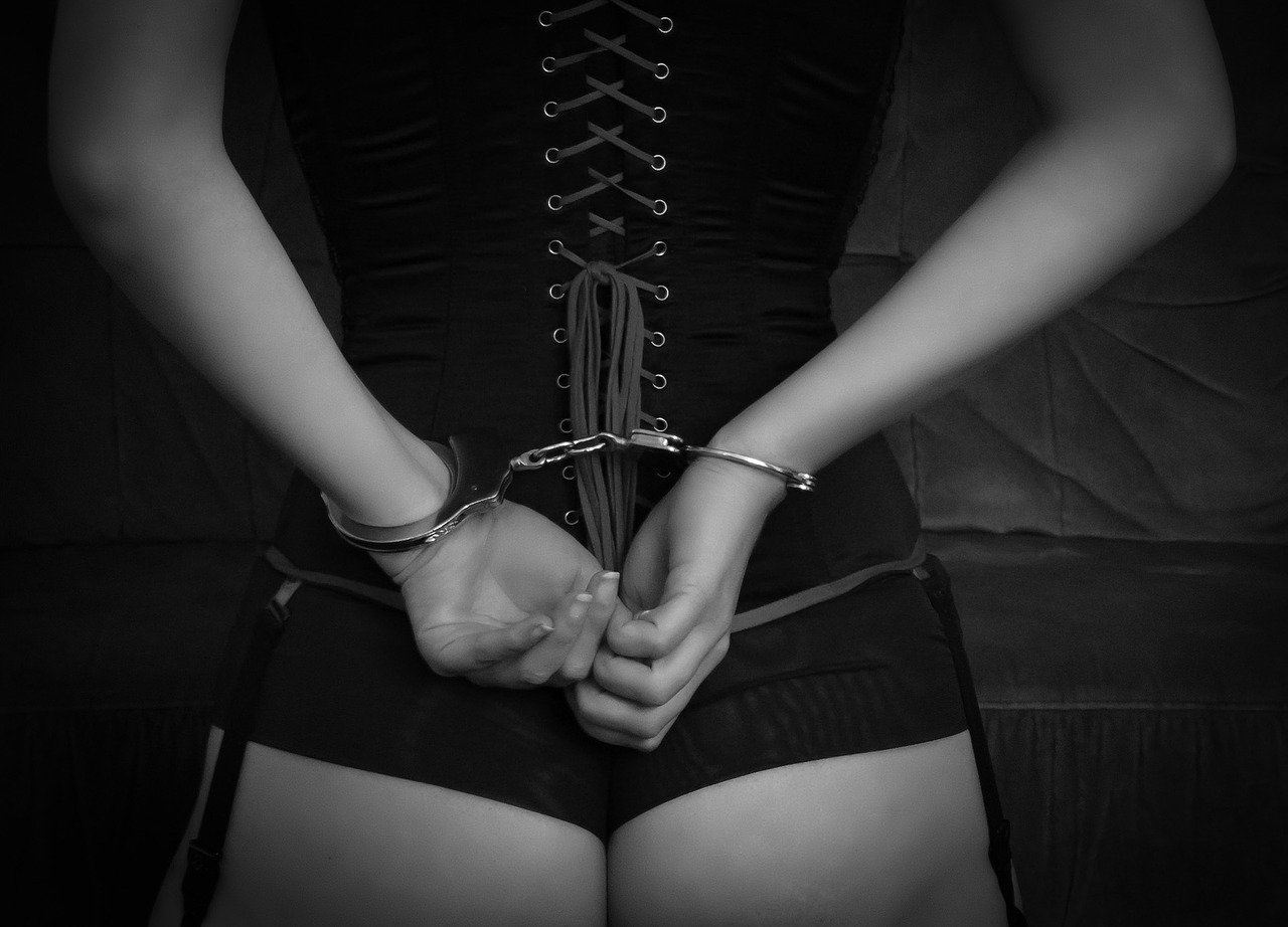 bondage-2281182_1280