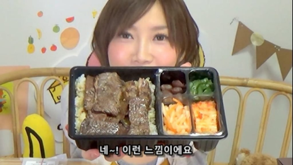 %e3%80%90mukbang%e3%80%91-the-top-10-ekiben-lunch-boxes-from-tokyo-station-142-dollars-in-total-cc-available-mp4_20170928_100452-627