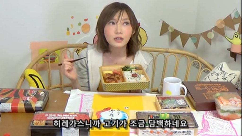 %e3%80%90mukbang%e3%80%91-the-top-10-ekiben-lunch-boxes-from-tokyo-station-142-dollars-in-total-cc-available-mp4_20170928_101656-188