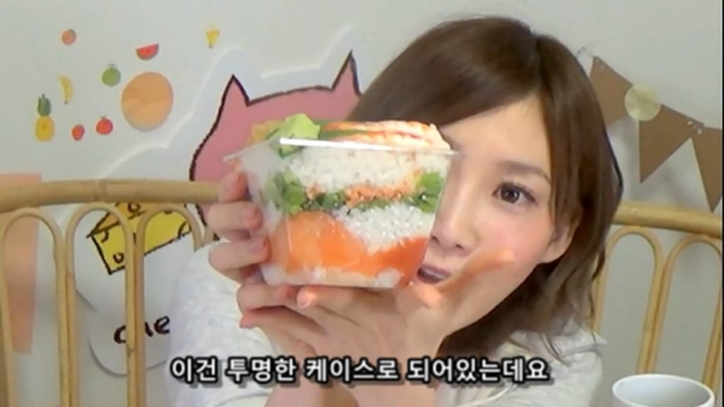 %e3%80%90mukbang%e3%80%91-the-top-10-ekiben-lunch-boxes-from-tokyo-station-142-dollars-in-total-cc-available-mp4_20170928_102016-220