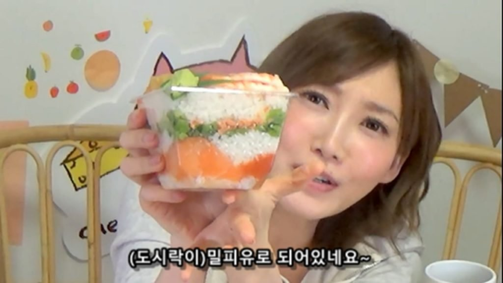 %e3%80%90mukbang%e3%80%91-the-top-10-ekiben-lunch-boxes-from-tokyo-station-142-dollars-in-total-cc-available-mp4_20170928_102019-225