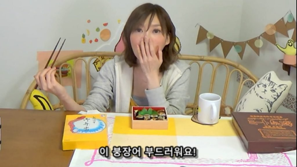 %e3%80%90mukbang%e3%80%91-the-top-10-ekiben-lunch-boxes-from-tokyo-station-142-dollars-in-total-cc-available-mp4_20170928_102122-698