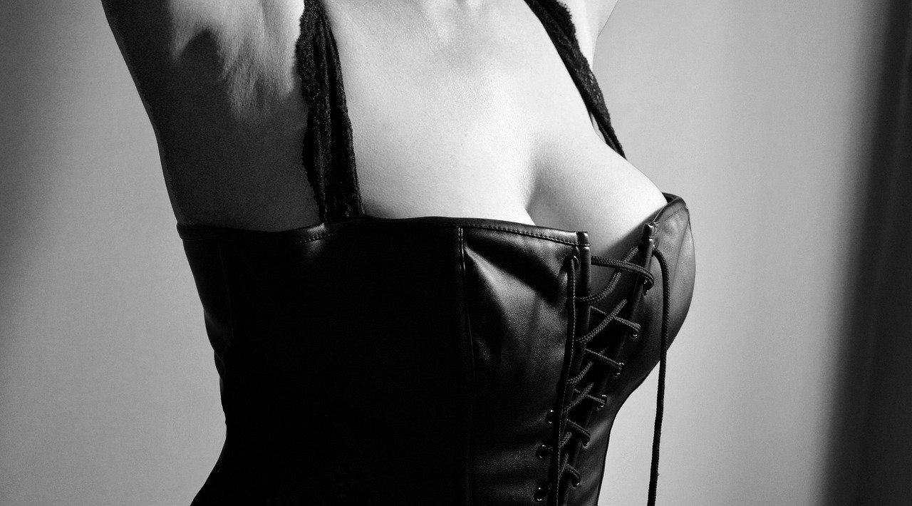 lingerie 2282475 1280 - 【動画あり】 Hシーンで本当に挿入している映画まとめ10選