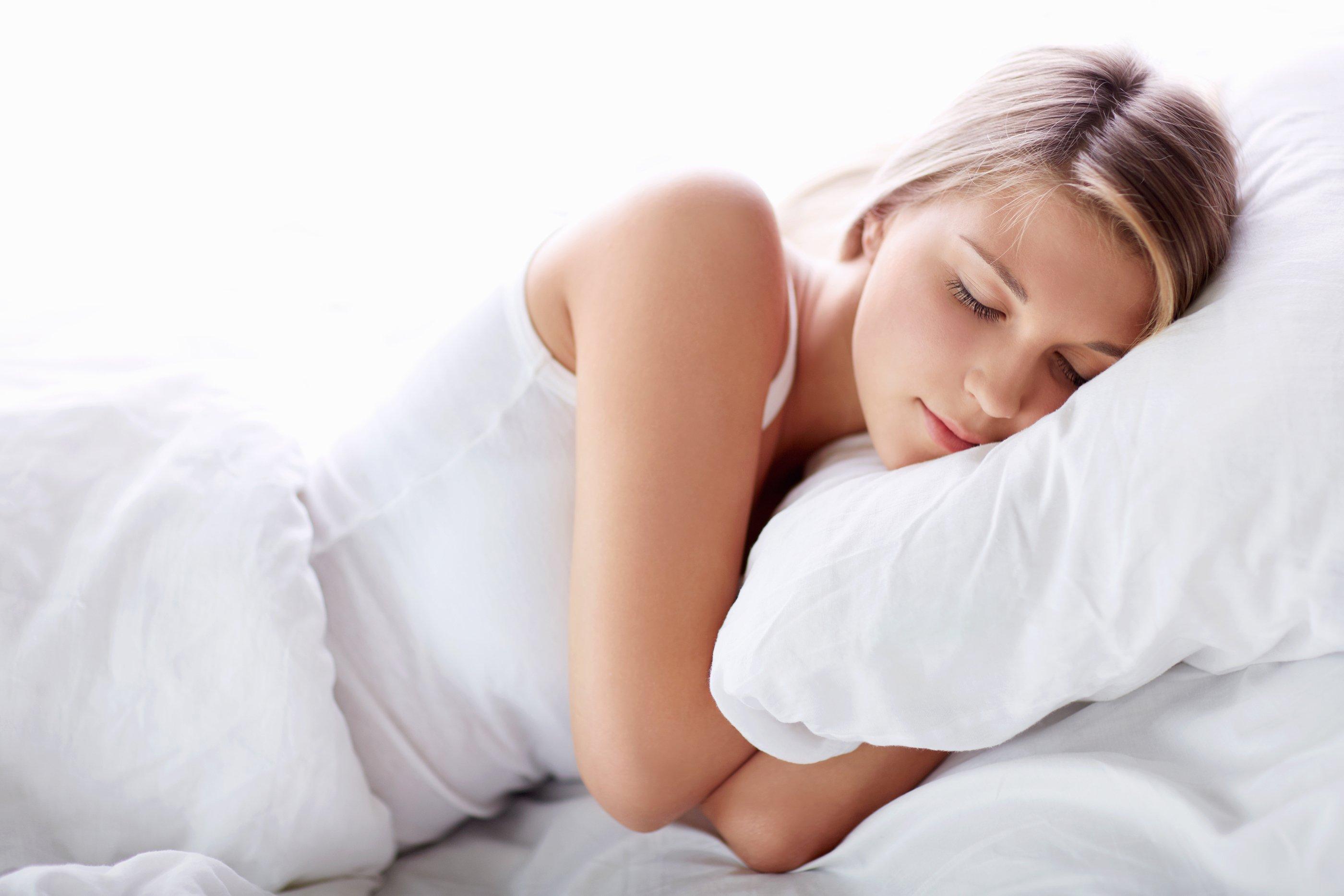 sleeping beaut.jpg?resize=300,169 - 5 dicas que vão te ajudar a dormir como um anjo