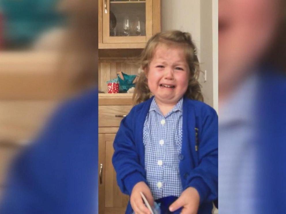 妹が欲しい!弟であることを知り号泣した3歳の女の子