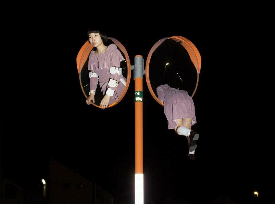 19732337 630647243808143 2857279110450047002 n - '어마어마한 상상력'이 돋보이는 일본 사진작가의 초현실적 작품들 (사진 20장)