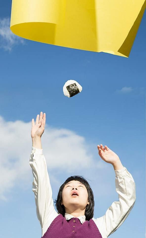 19875317 630647360474798 3357545111228073654 n - '어마어마한 상상력'이 돋보이는 일본 사진작가의 초현실적 작품들 (사진 20장)