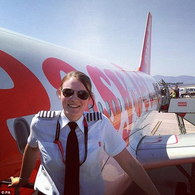 38c5c4fa00000578 3806882 image a 9 1474838877247.jpg?resize=648,365 - The World's Youngest Plane Captain At The Age of 26