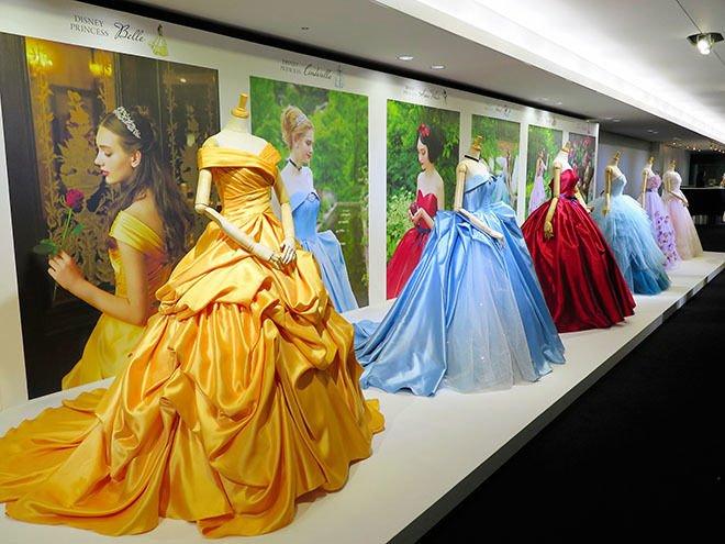 41 3.jpg?resize=300,169 - A belíssima coleção de vestidos de noiva que foi inspirada nas princesas da Disney