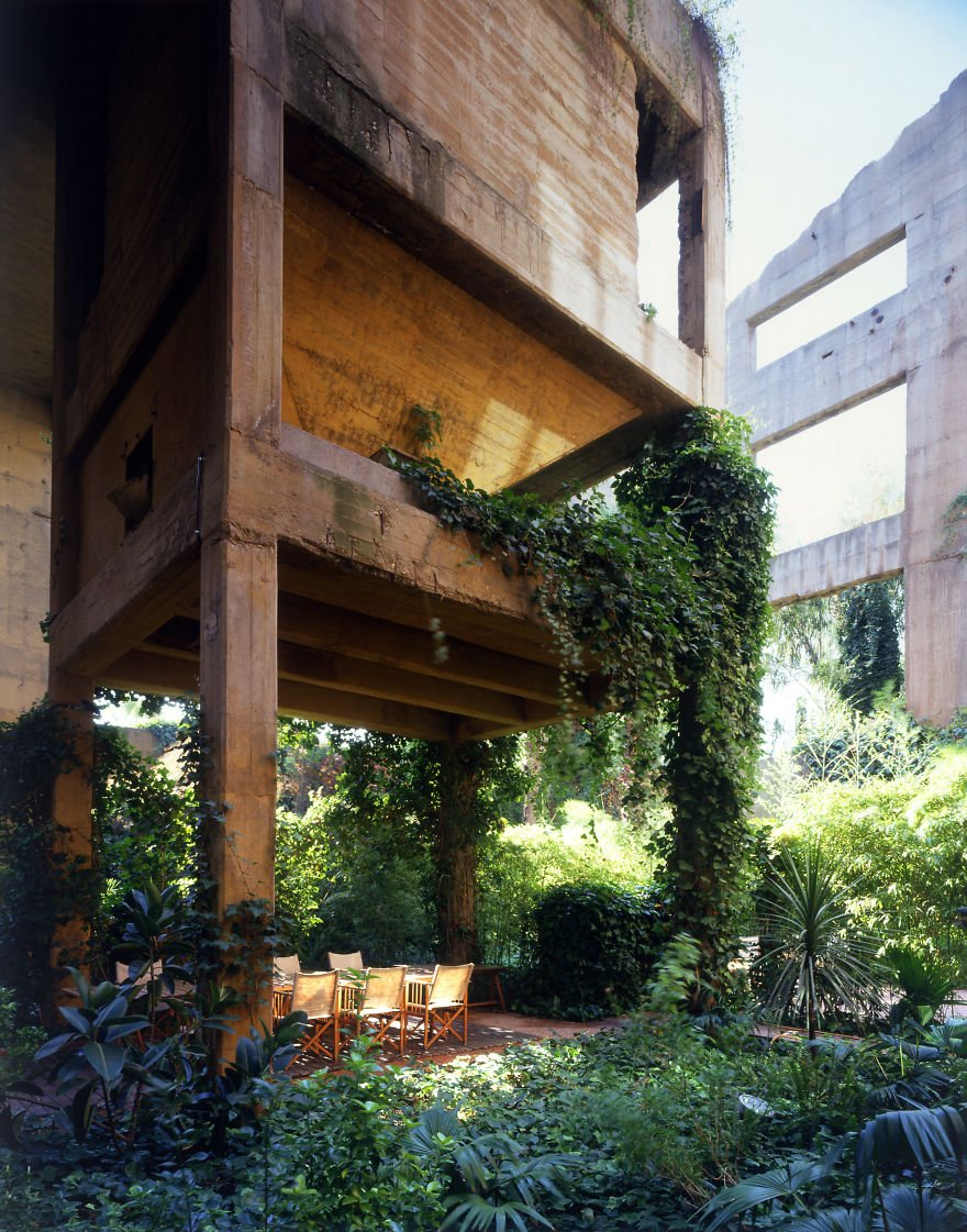 cement-factory-renovation-la-fabrica-ricardo-bofill-10-58b3e21591137__880
