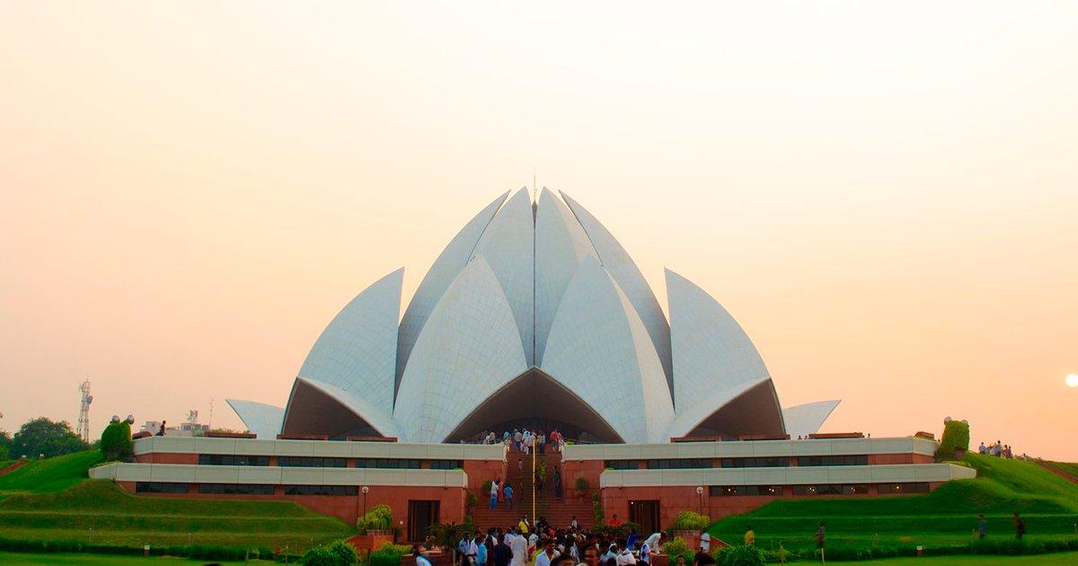 cover 4.png?resize=1200,630 - El increíble templo del loto en Nueva Delhi, un lugar para todas las religiones y creencias.