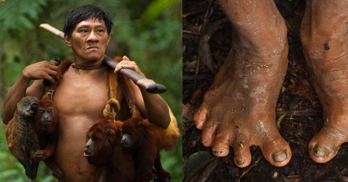 e69caae591bde5908d 1 e5b7b2e4bfaee5bea9 6.png?resize=1200,630 - 這個神秘部落「所有人都靠吃猴子生存」,部落裡不分性別皆全裸!原始生活型態使腳趾都...
