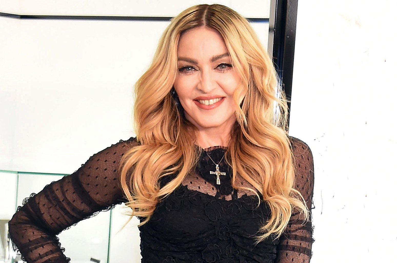 madonna feb 2016 billboard 1548.jpg?resize=412,232 - Madonna compartilha vídeo divertidíssimo de suas filhas cantando funk