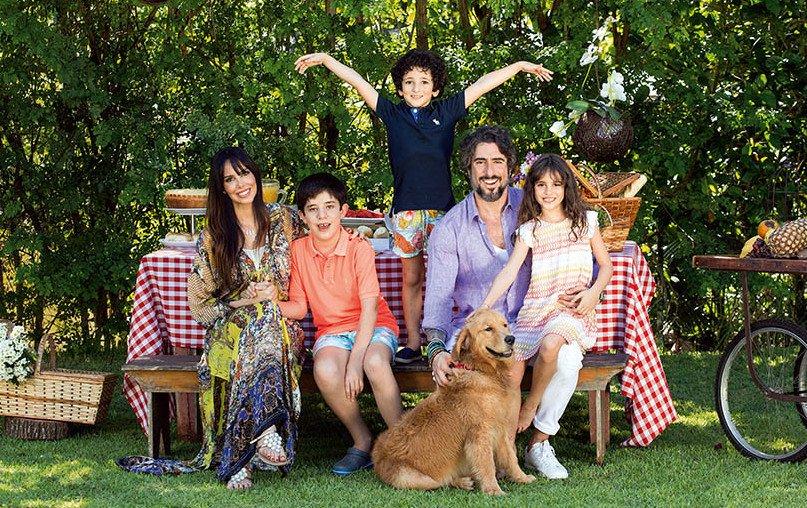 marcos mion e familia 03.jpg?resize=412,232 - Esposa de Marcos Mion conta como superou o câncer de mama
