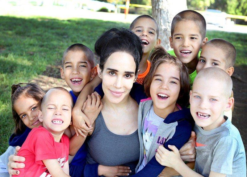 octomom nadya suleyman kids grown up 10.jpg?resize=1200,630 - Essa mulher deu luz a oito bebês oito anos atrás e não parou mais