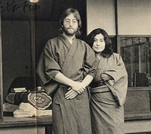 ono yoko kinkyou 4e5e98f037bce1f13a77af799ad46eb5 - 認知症と報じられたオノ・ヨーコ、家族と現在の近況は?