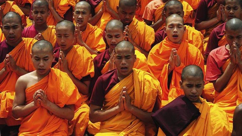 protesta-monjes-budistas-india_tinima20130710_0476_3