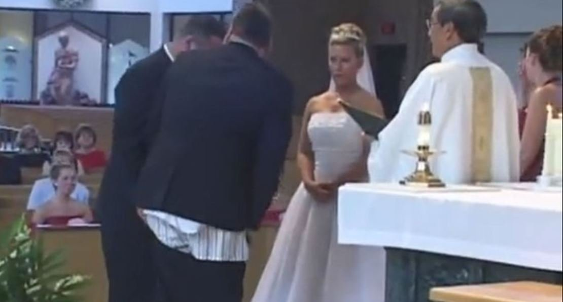 ss.jpg?resize=1200,630 - Best Man's Pants Fall Down In Middle Of Ceremony, But What Priest Says Next Flips The Crowd