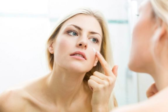 02-why-ignoring-2-letters-on-your-skin-care-products-could-be-wrecking-your-complexion-1024x683-575x384