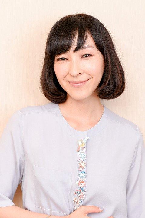 1 128.jpg?resize=1200,630 - 人気女優の麻生久美子! その壮絶な生い立ちとは?