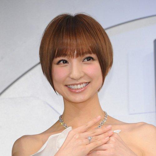 1 341 - 「篠田麻里子が結婚する?隠し子がいるって本当!?」