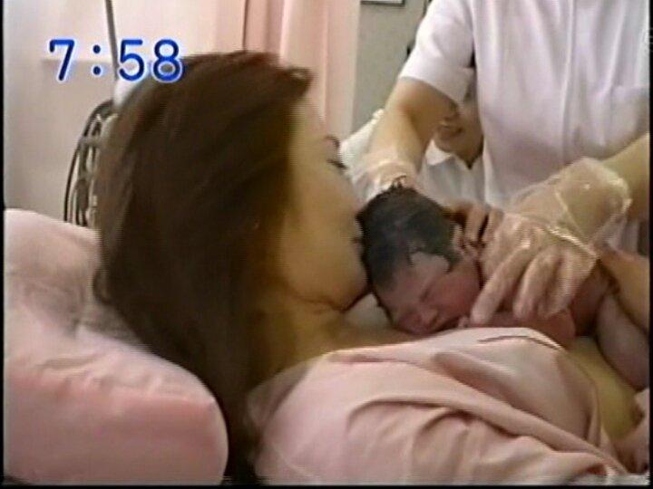 新山千春 出産シーン에 대한 이미지 검색결과