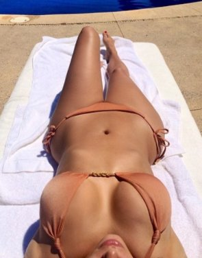 2 instagram e1511280184648.png?resize=648,365 - Kim Kardashian's 'New' Bikini Photo Gets Numerous Comments From People Online