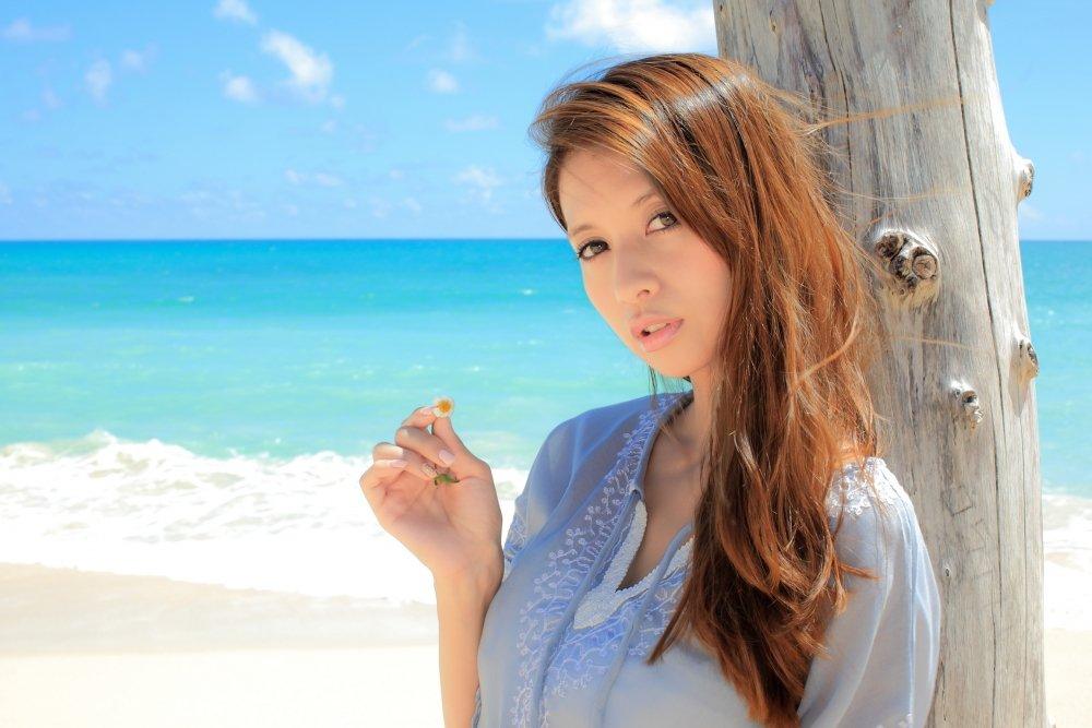 375894.jpg?resize=412,232 - 吉川ひなのさんは、抜群のスタイルを誇るタレントとして有名