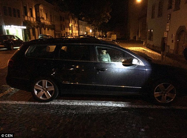 389b213000000578 3798154 image a 58 1474368360854.jpg?resize=412,232 - Mom Abandoned Her 2-year-old Boy In The Car After MIDNIGHT While She Went Clubbing