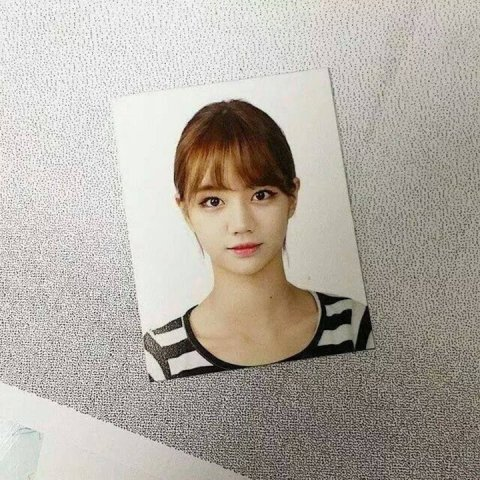 20170910111530 8 - 증명사진도 화보로 만들어버리는 여자연예인의 예쁜 증명사진 모음(+11)