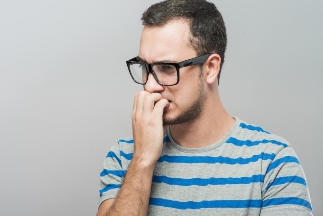 「小小的」壞習慣?愛咬手指的人注意了!後果可能比你想的還更嚴重!