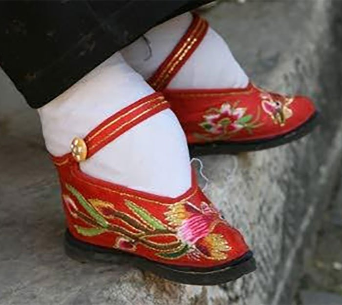 chinas-foot-binding6