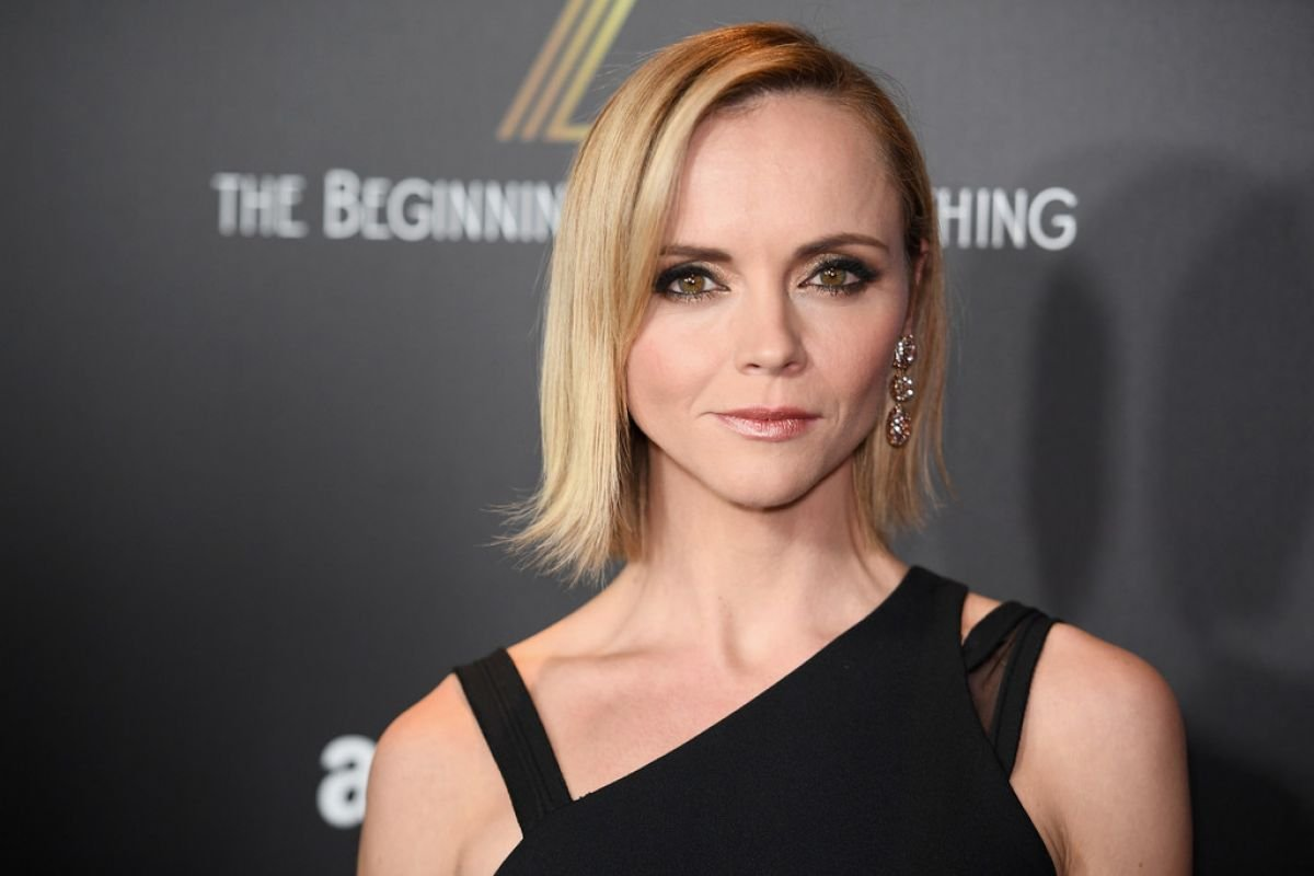 christina-ricci-at-z-the-beginning-of-everything-premiere-in-new-york-01-25-2017_5