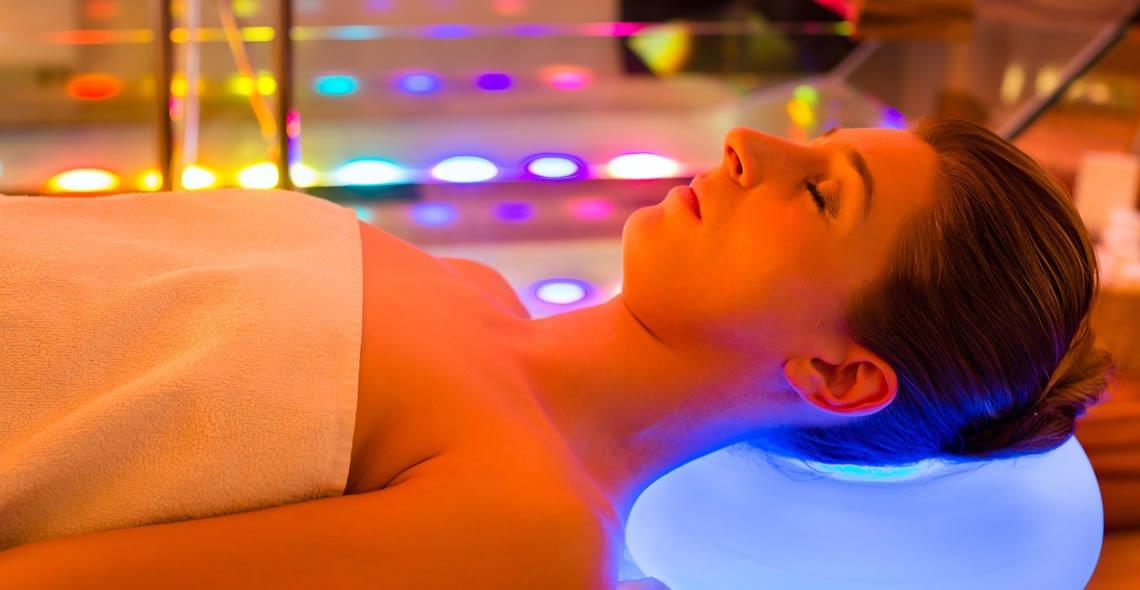 colour therapy.jpg?resize=412,232 - Cromoterapia: Saiba como aliviar dores e doenças através das cores