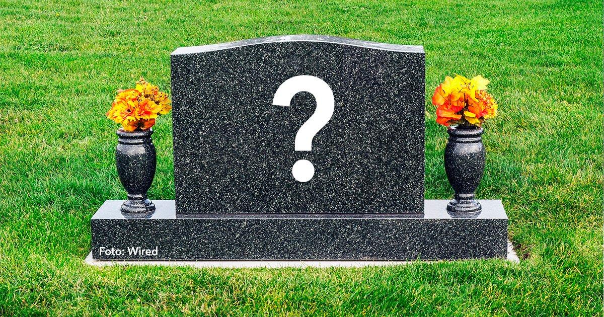 cover 25.jpg?resize=412,232 - Estas 15 frases en las lapidas de tumbas te dejarán claro que el que ríe al último ríe mejor.