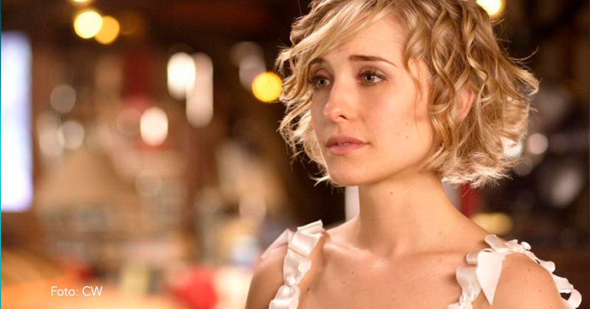 cover2.jpg?resize=1200,630 - ¡Esta actriz de Smallville es acusada de estar al mando de una secta sexual que maltrata a sus miembros!