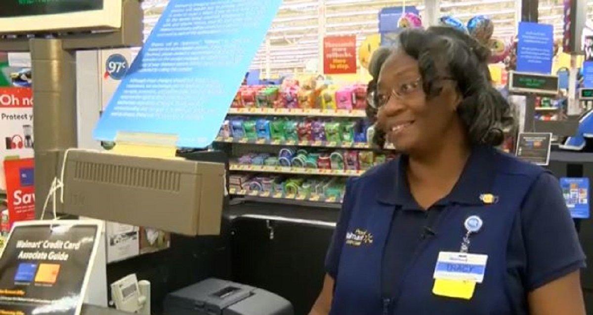 etergdfg.jpg?resize=412,232 - Walmart Cashier Stood Up For Elderly Man Who Flustered