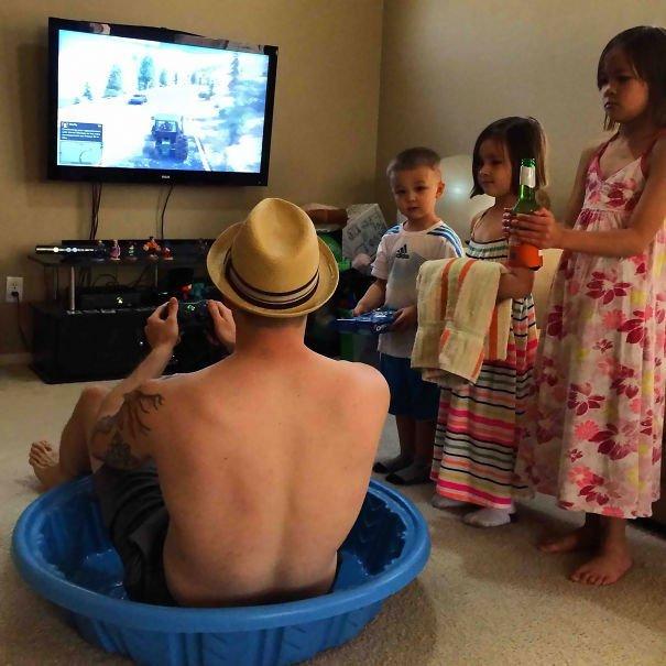 funny-dads-parenting-fails-35-577a2de706bf7__605